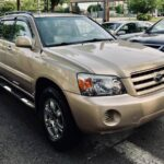 2005 Toyota Highlander Limited AWD, DVD / NAVI, Local, 1 YEAR FREE Warranty Included - $7999