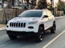 2018 Jeep Cherokee Sport 4×4, 1 Owner Local * 39,000 KM* 1 YEAR Free Warranty Included at this price!  $21,999